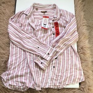 BRAND NEW STRIPPED BUTTON UP
